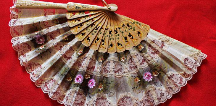 La historia del abanico. De Egipto al Merchandising