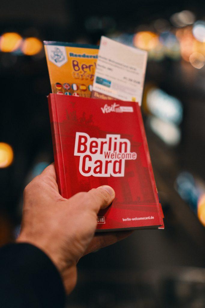 Paquetes de bienvenida para clientes de un hotel